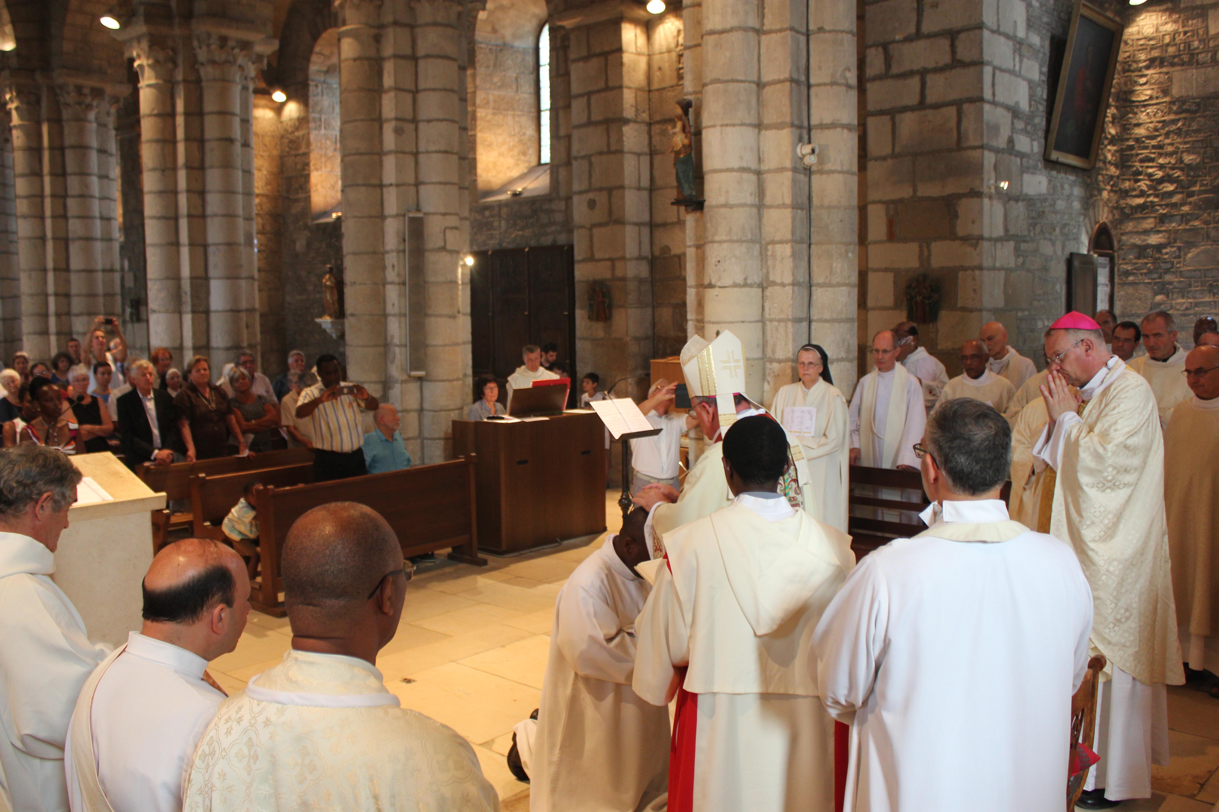 Ordinations diaconales des frères Sébastien et Denis - imposition